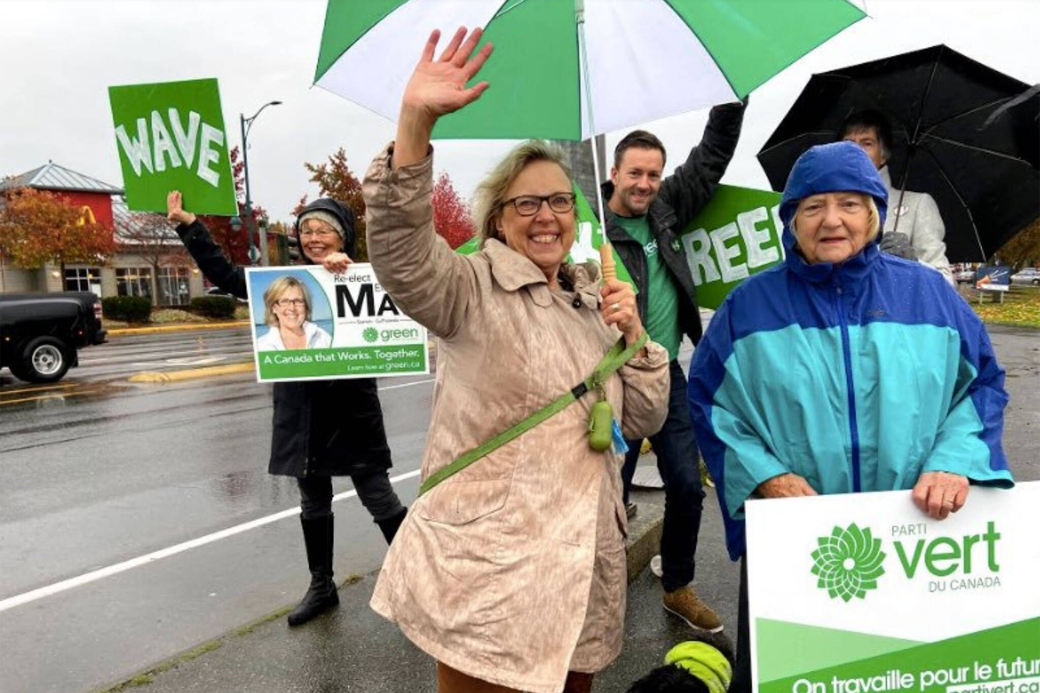 elizabeth may resigns