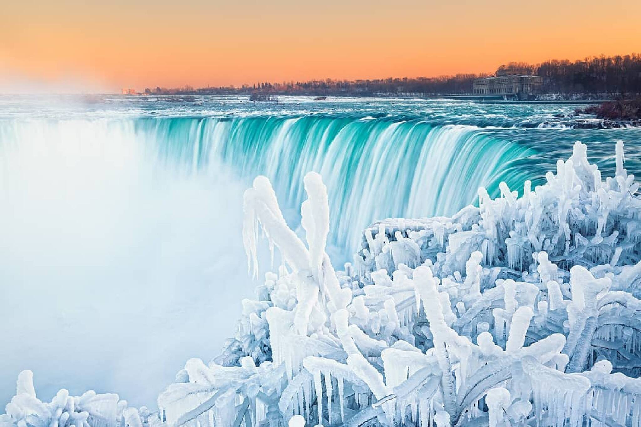 is niagara falls frozen