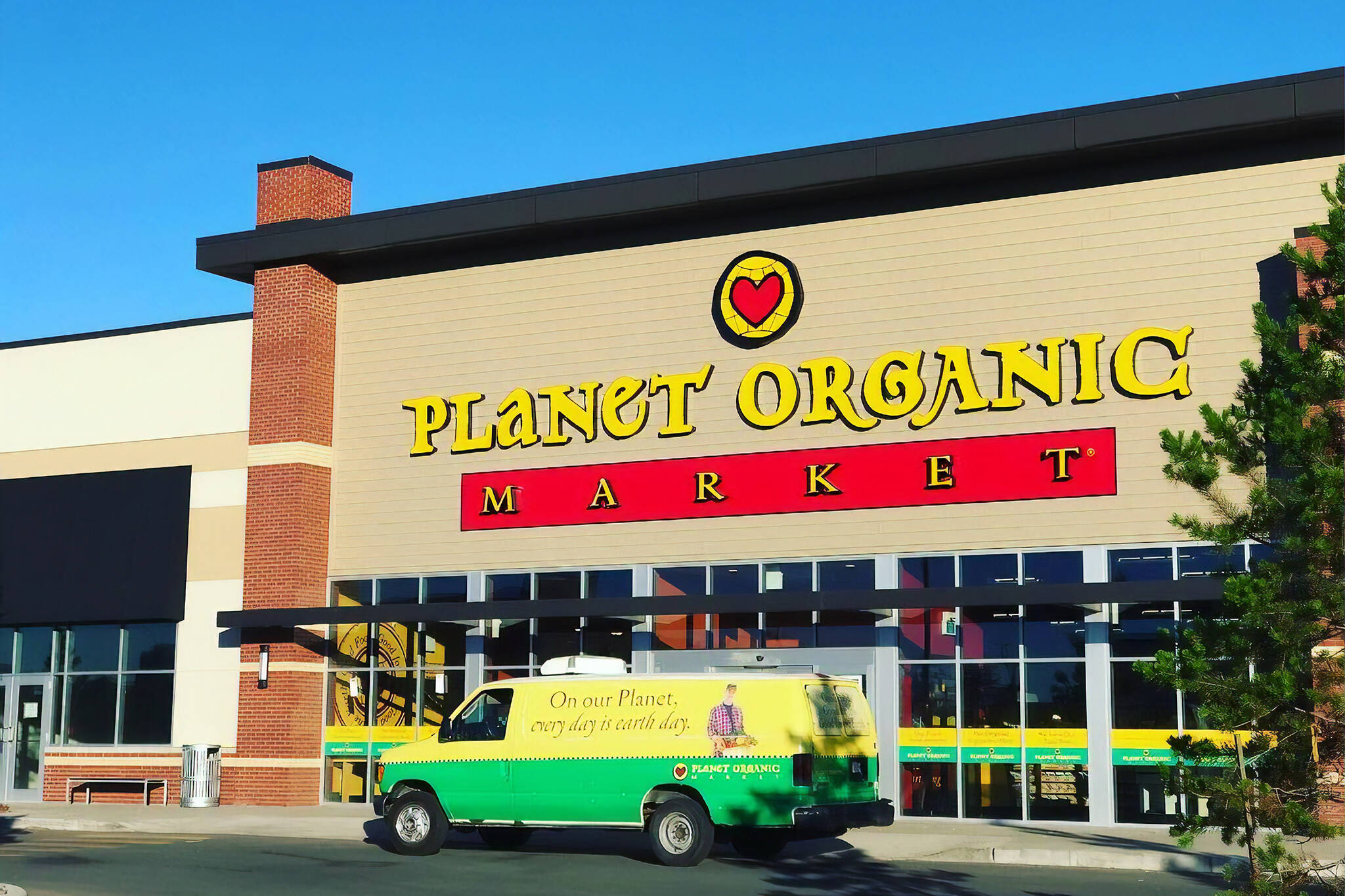 planet organic closing