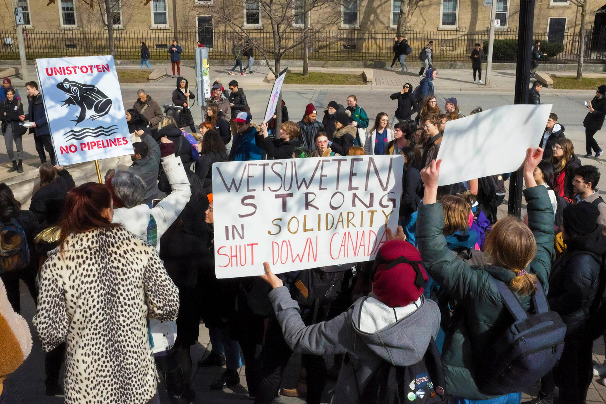 wetsuweten protests