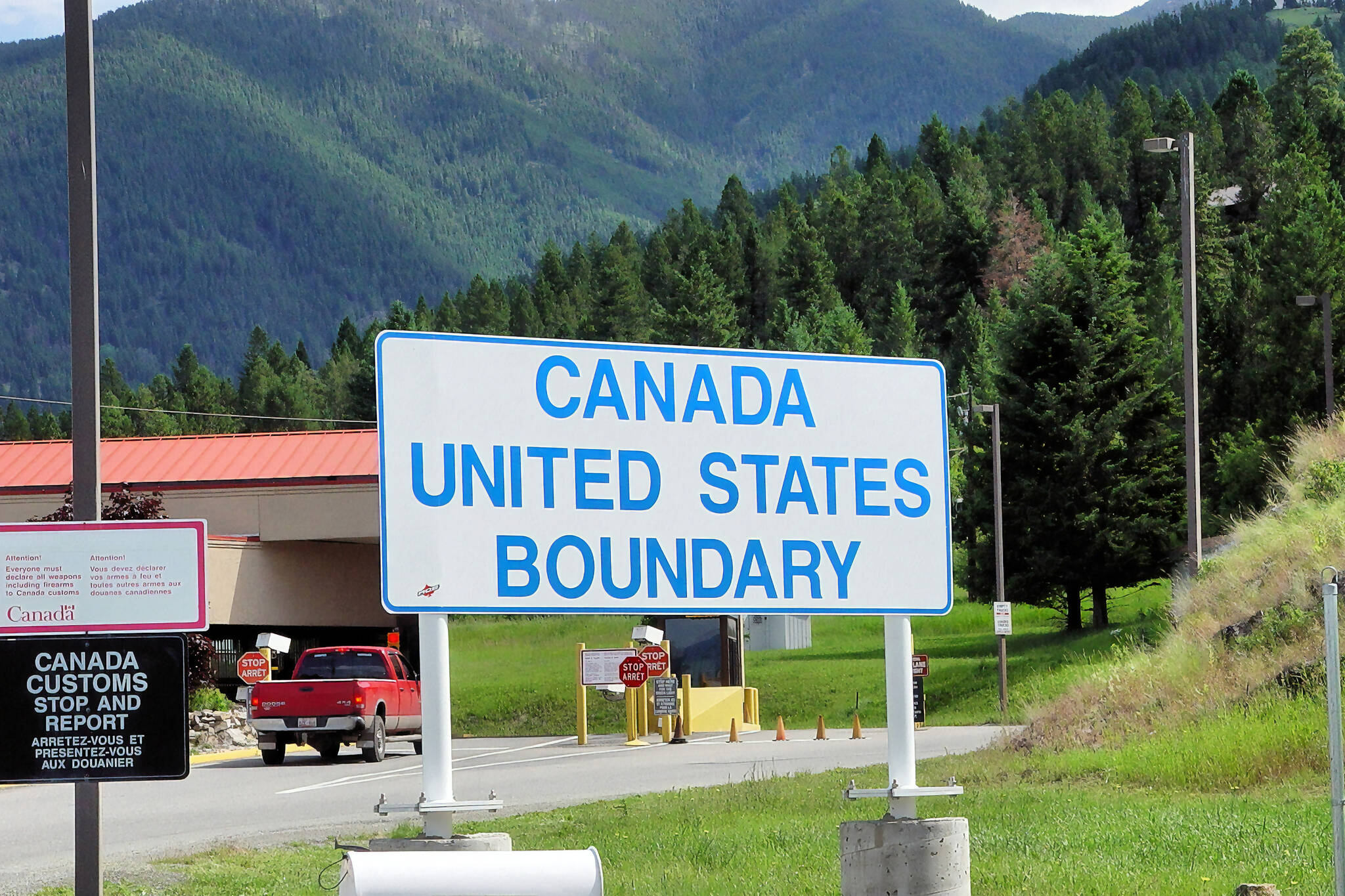 close the us canada border