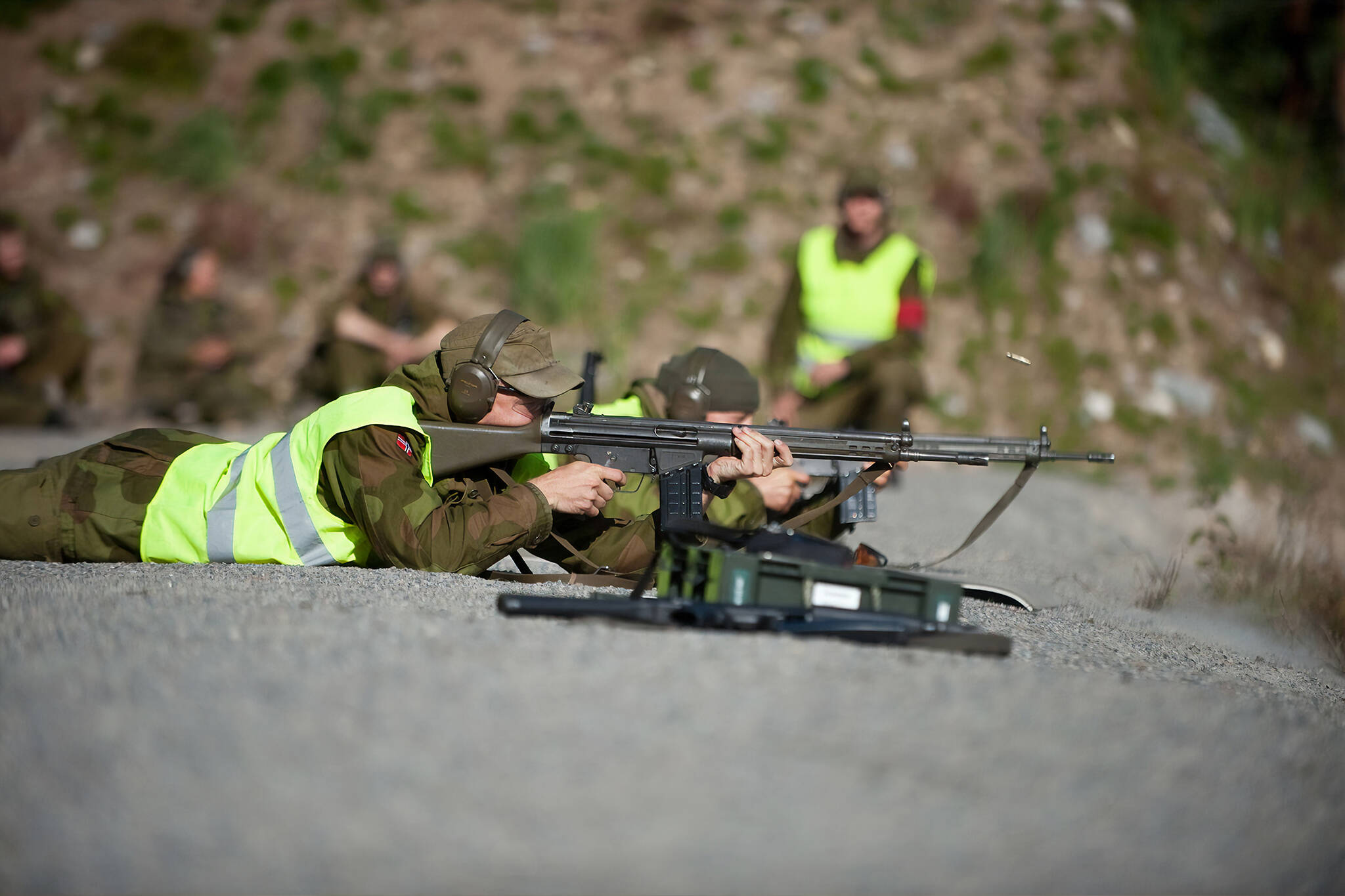 are assault rifles legal in canada