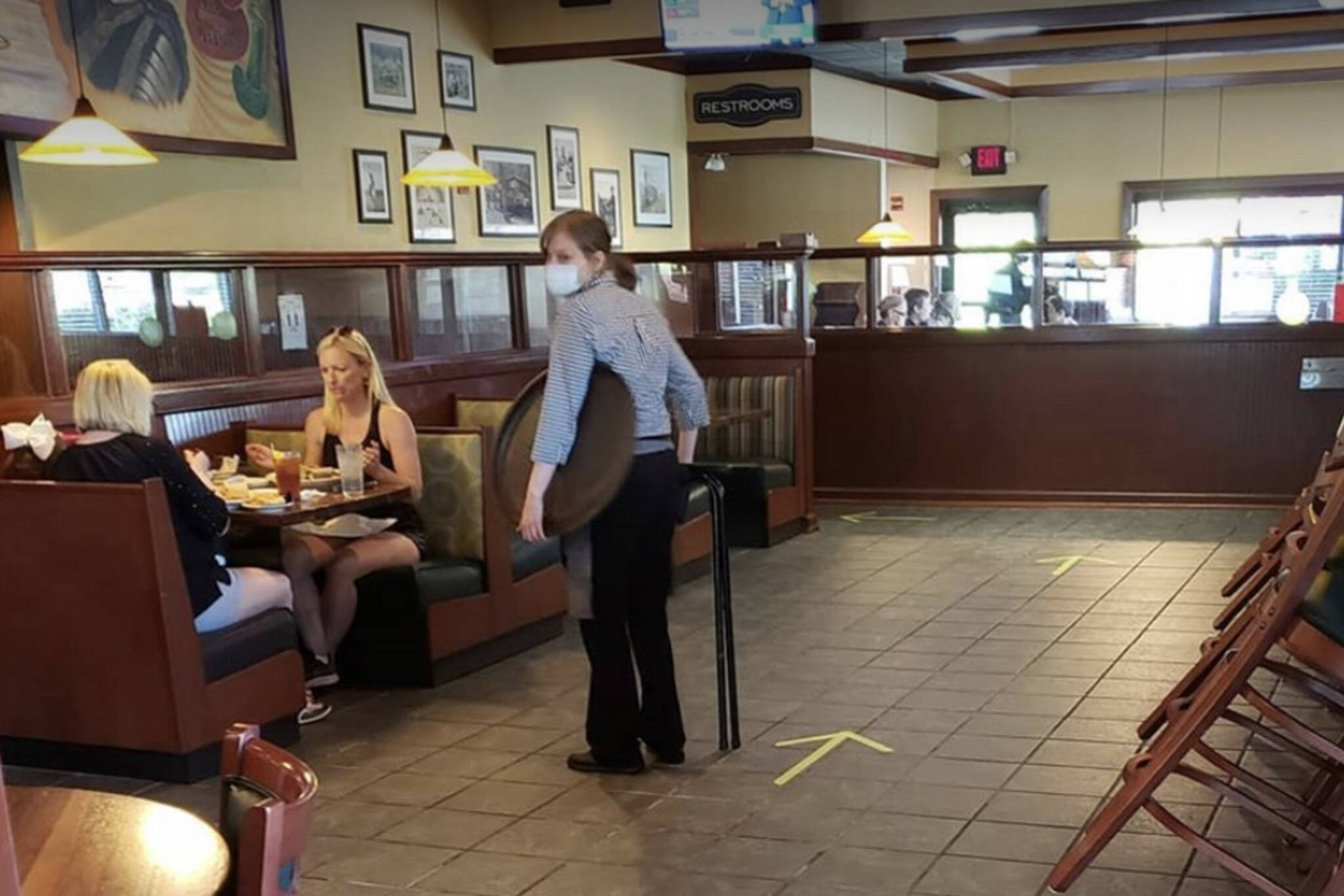 restaurants reopen canada