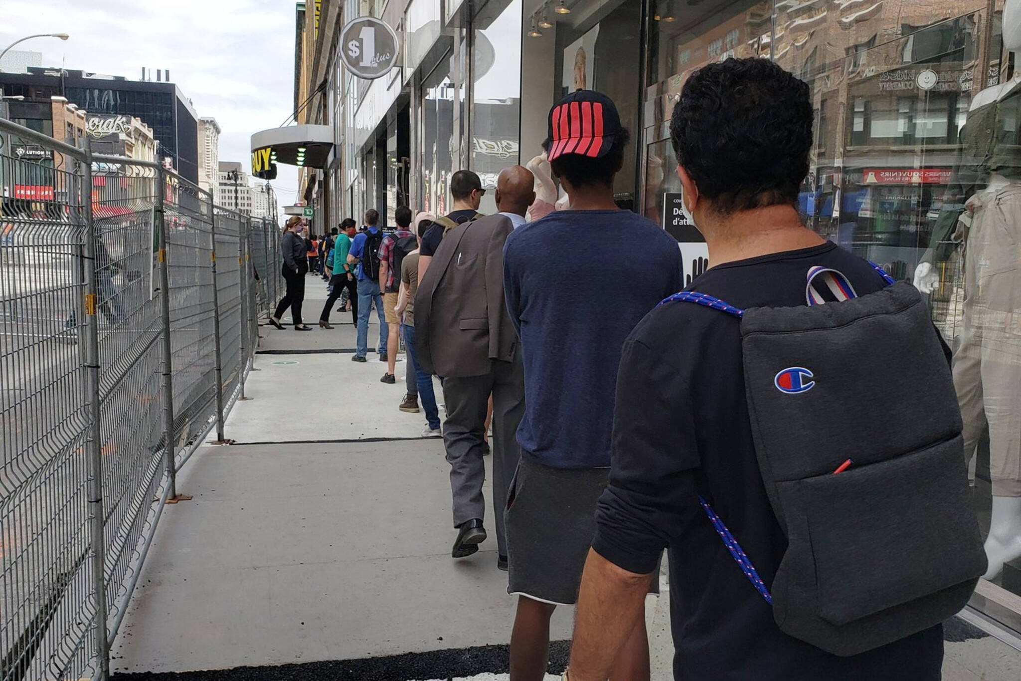 stores reopening montreal
