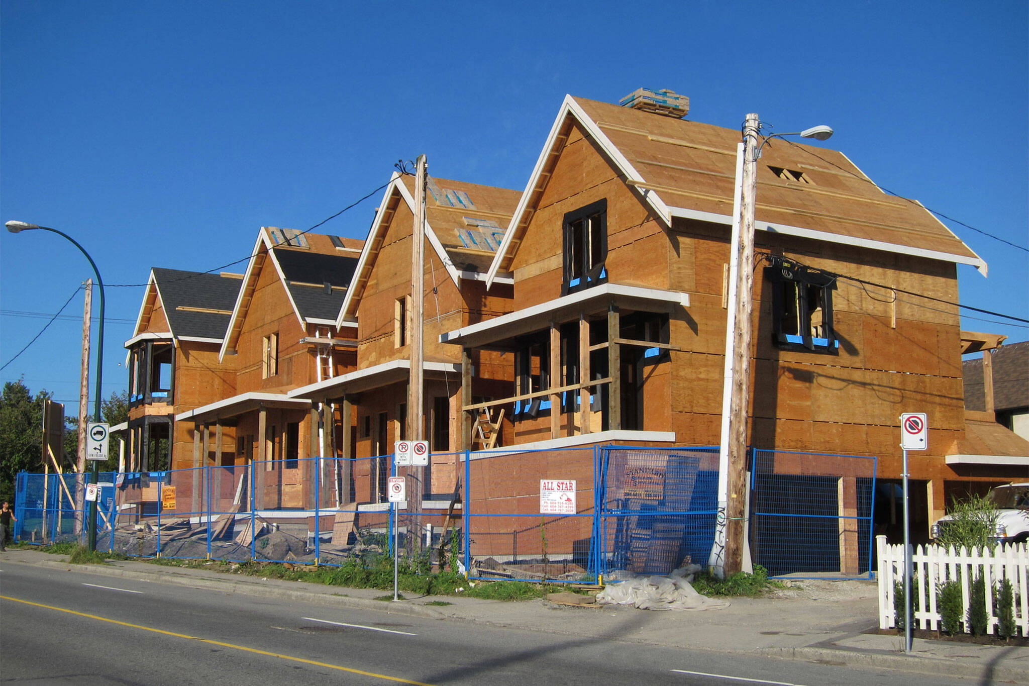 new build houses canada